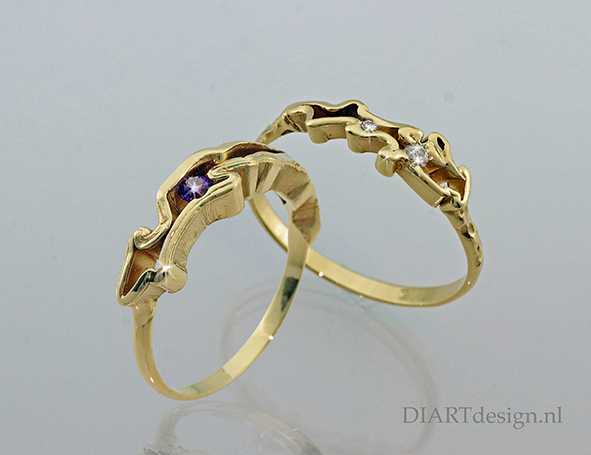 Fijne grillige ringen uit goud, met amethist of briljant.